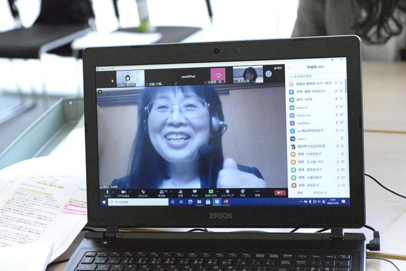 講義後、笑顔の西村氏