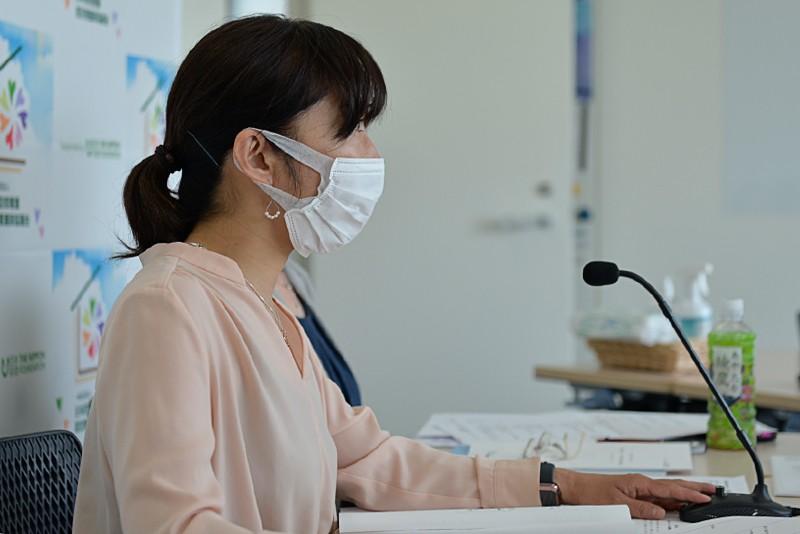 引き続き研修会を開催します。九州ブロック宮城愛子さんから「コロナ禍での認定更新について」です。